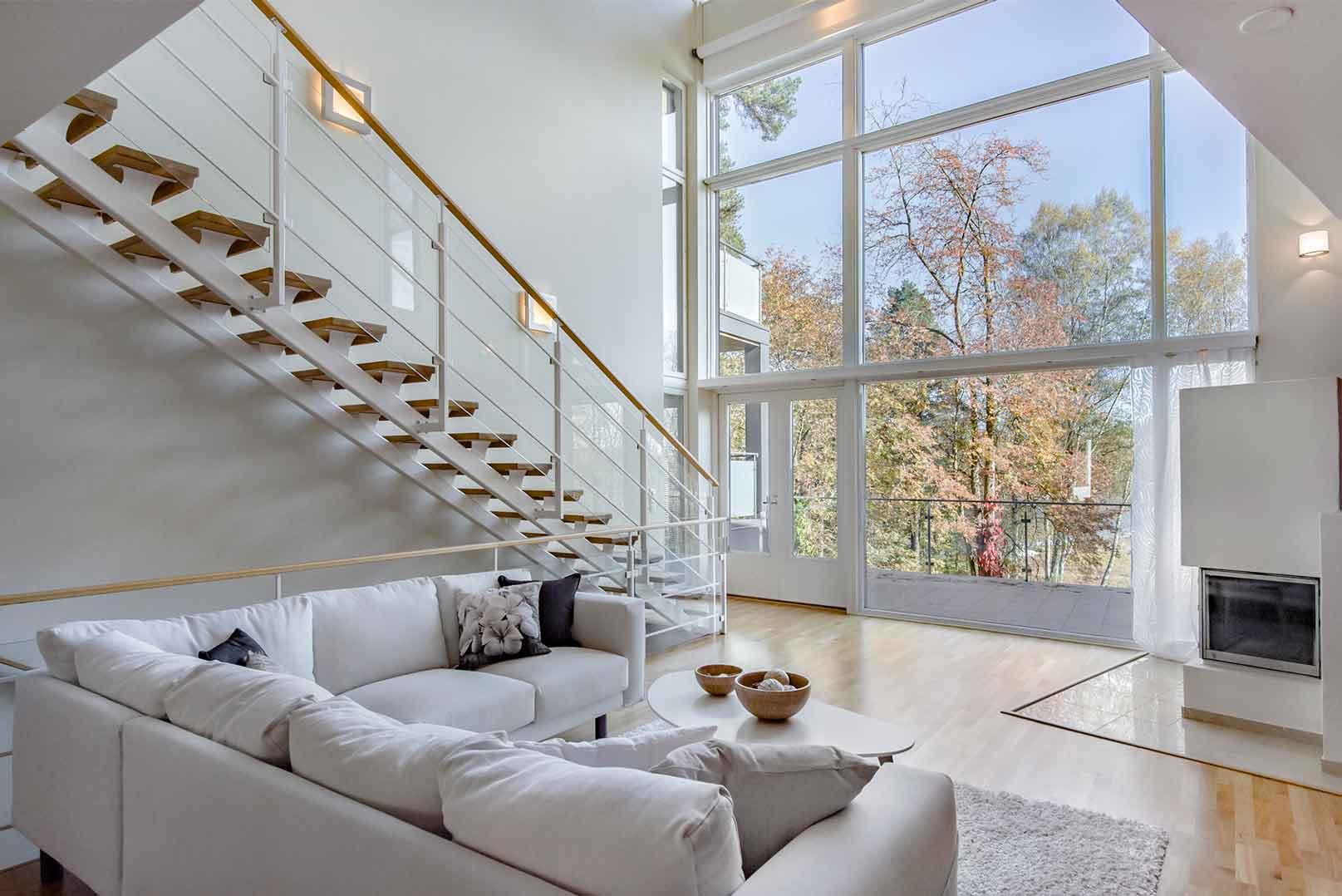 villa-lohi-living-room-view